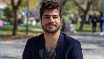 Académico Francisco Urdinez recibe nombramiento de Profesor Asociado UC