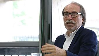 Politólogo alemán experto en Latinoamérica contrastó el rol de la OEA y UNASUR